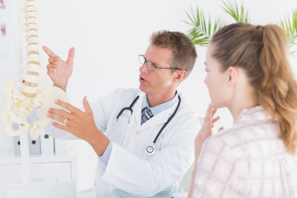 7 signs to see an orthopedic in dubai